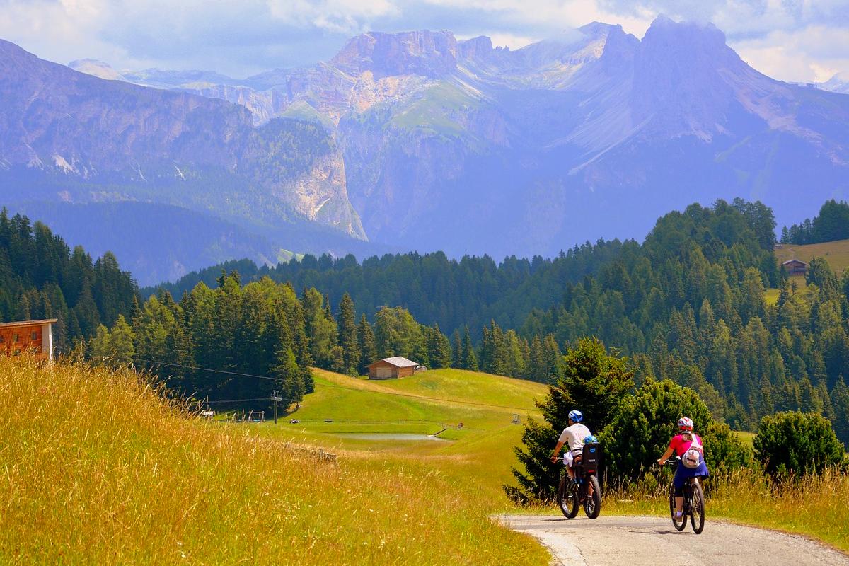 Come è bella l'Italia in bicicletta. I più affascinanti itin... OF OSSERVATORIO FINANZIARIO